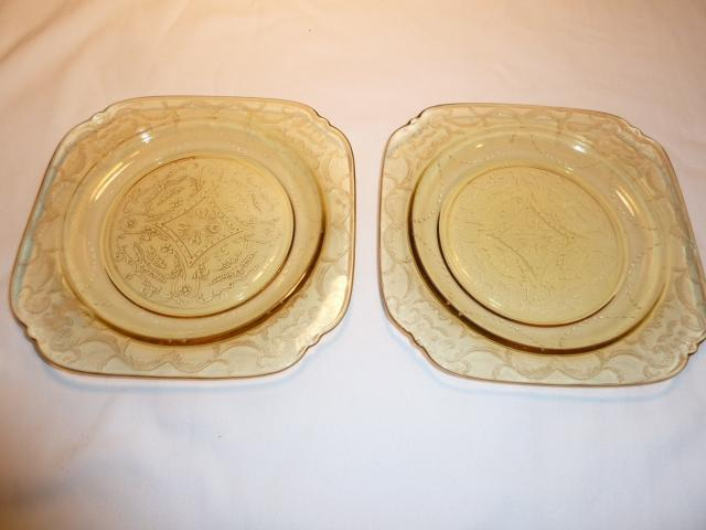 Vintage Set of (2) Federal Madrid Amber Depression Glass 7.5