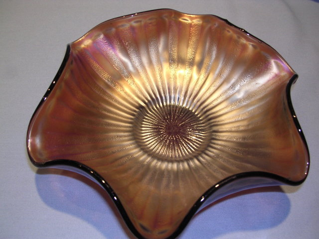 FENTON STIPPLED RAY SCALE AMETHYST CARNIVAL GLASS BOWL