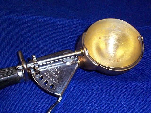 Hamilton Beach Brass Bowl Ice Cream Disher