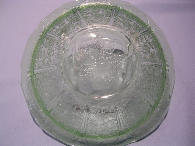 JEANNETTE CHERRY BLOSSOM GREEN DEPRESSION MASTER BERRY BOWL