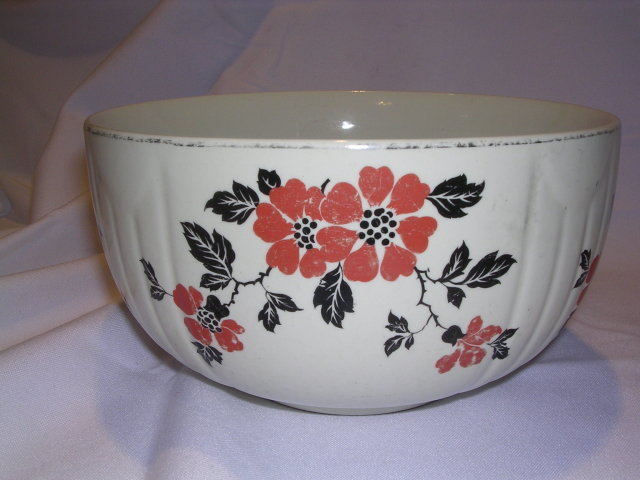 HALL'S RED POPPY RADIANCE 7 1/2 INCH BOWL