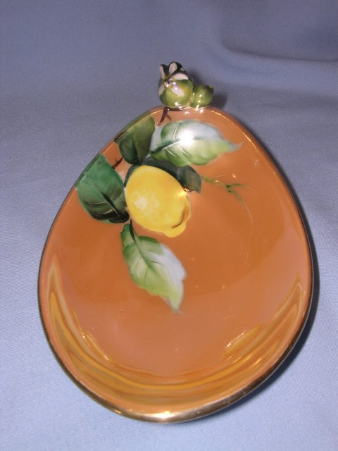 NORITAKE LUSTERWARE  LEMON DISH WITH LEMON BUD FINIAL