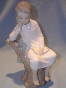 LLADRO THINKER LITTLE BOY FIGURINE