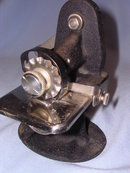 SINGER HAND CRANK  TABLETOP PINKER MACHINE  1930'S  RARE