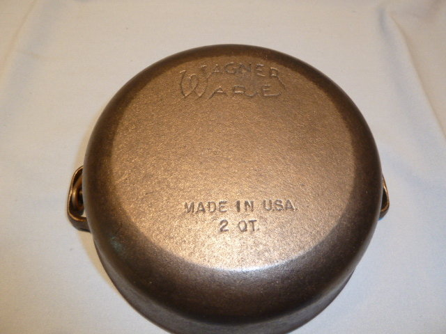 Cast Iron-Wagner Ware-Griswold 2 Quart Dutch Oven Kettle