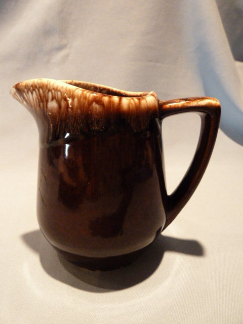 HULL USA  BROWN DRIP HOUSE AND GARDEN PITCHER CREAMER