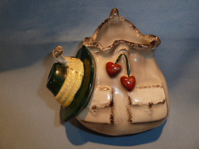 RARE GOEBEL SATCHEL AND HAT WALL POCKET FULL BEE 1923
