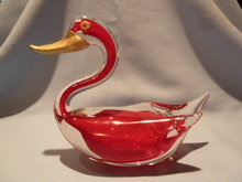OLD HEAVY GLASS RED TO CLEAR SWAN