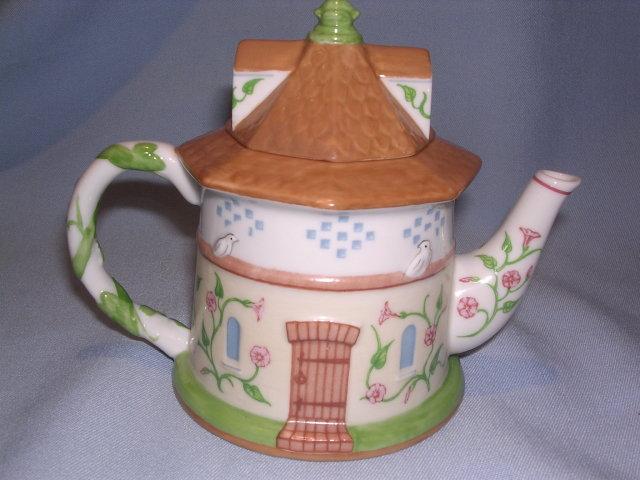 LENOX CHINA  ENGLISH GARDEN COLLECTION DOVECOTE TEAPOT TEA POT