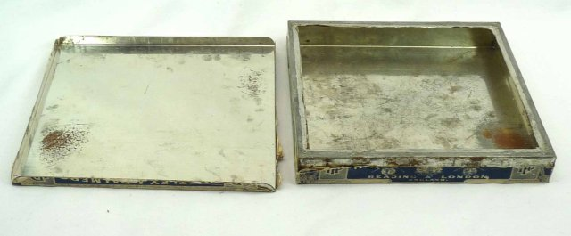 Antique HUNTLEY & PALMERS AMERICAN BEAUTY Rose Biscuit Tin England