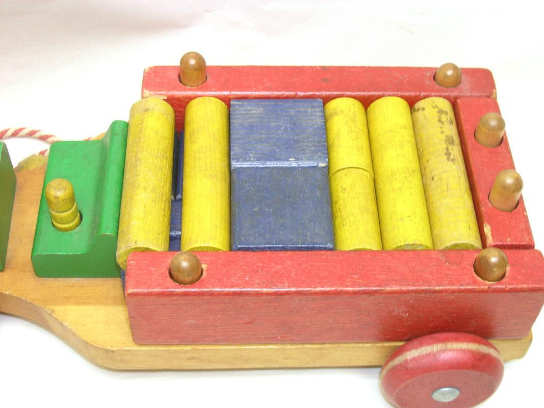 Vintage 1950's PLAYSKOOL Wood Pull Toy w/ Wood Blocks