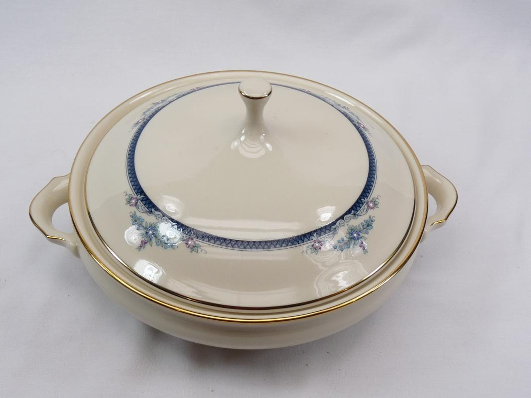 LENOX COLUMBIA Round Covered Vegetable Bowl