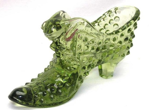 Fenton Colonial Green Glass Cat Slipper Shoe