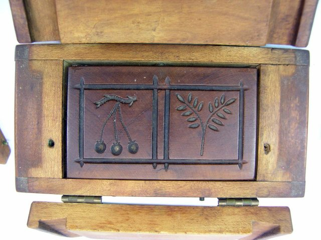 Fine Old Wood Box Type 1/2 Lb. Butter Mold Cherries