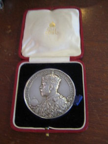 SILVER CORONATION  COMMEMERATIVE MEDAL  GEORGE V
