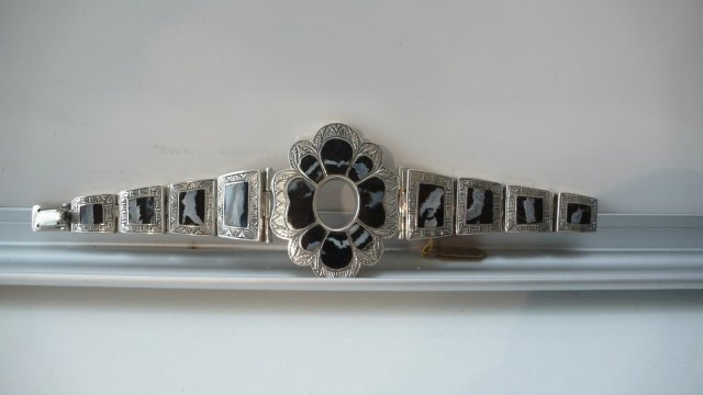 Victorian Sterling and Agate Bracelet