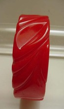 Bakelite Bright Cherry Red Carved Bangle