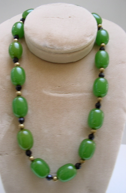 Bakelite Green and French Jet  Beaded Necklace