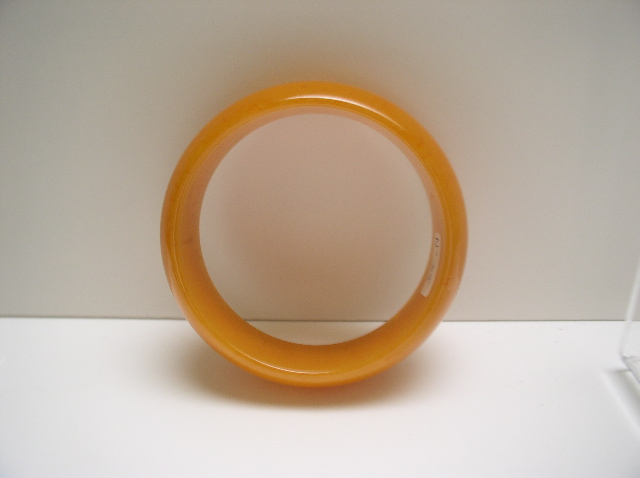 Bakelite Vintage Chunky Butterscotch Bangle