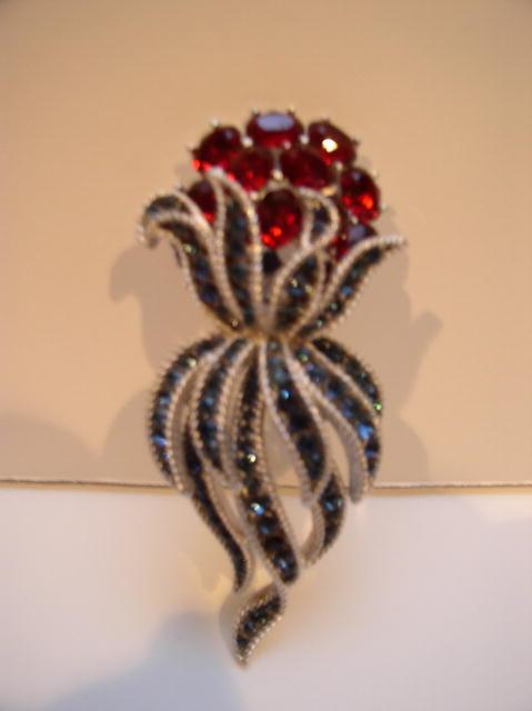 Trifari Vintage Sparkling flower Brooch