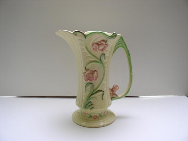 Shorter and Son Daffodil Pitcher