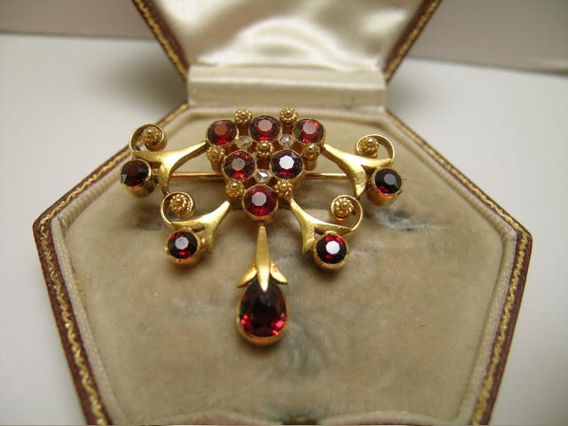 Edwardian 15 Ct. Gold and Garnet Brooch