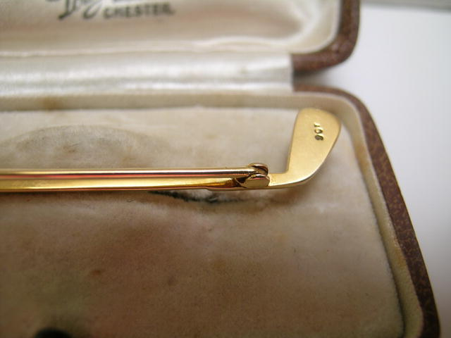 English 9 Ct. Golf Club Brooch with Pearl
