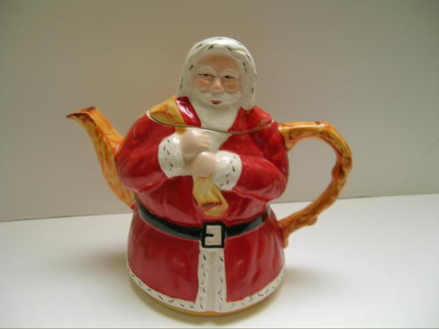 English Vintage Santa Claus Teapot