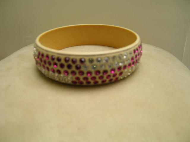 Celluloid Deco  Red and White Bangle