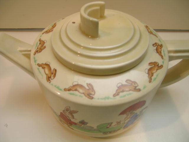 Royal Doulton intage Bunnykins Teapot