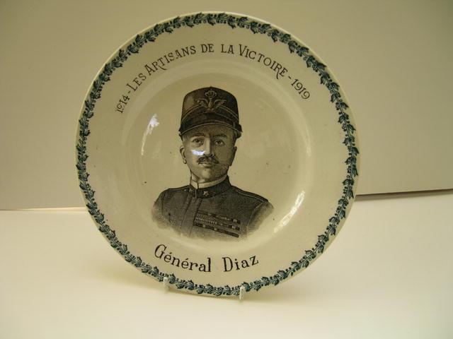 Commemmorative Deneral Diaz:Artisans De La
