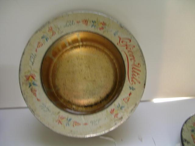 Quimper Vintage Dish Tin Fruit Cake Box