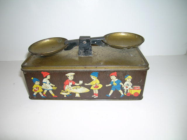 Crawford and Sons Biscuit  Scales tin
