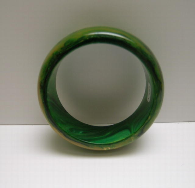 Bakelite Vintage  Marbelized Chunky Green Bangle