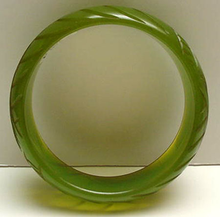 Bakelite Applejuice Green Carved Bangle