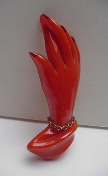 Bakelite Hand with crossed fingers pin