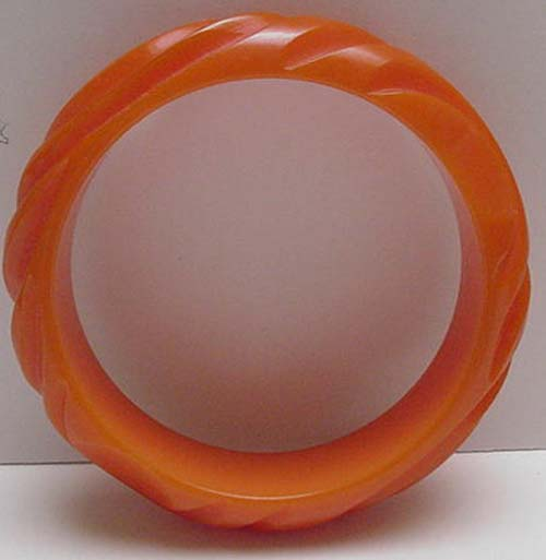 Bakelite Apricot Carved Circles Bangle Bracelet