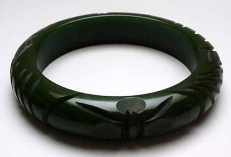 Bakelite Dark Green Vintage Deeply Carved Bangle Bracelet
