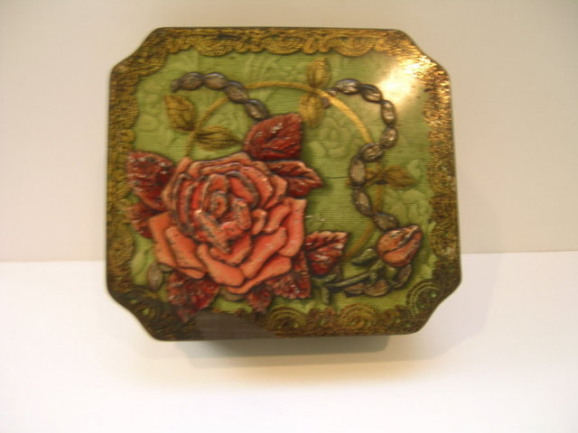 Meredith & Drew English Biscuit Flower Tin