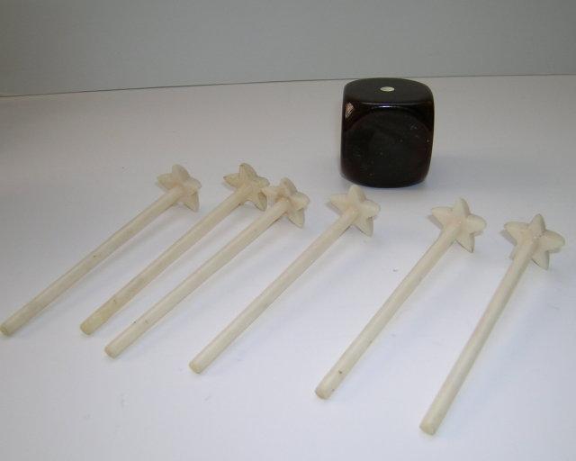 Bakelite Vintage Cube with Swizzle Sticks