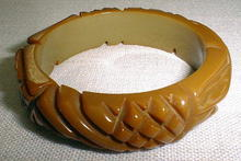 Bakelite (15) Bangle carmel carved
