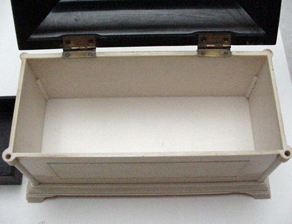 Bakelite English Commemorative Jewelry Box