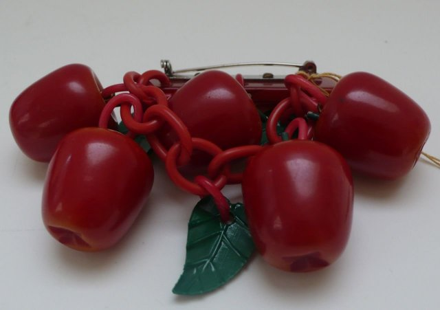 Bakelite Vintage Apples Brooch