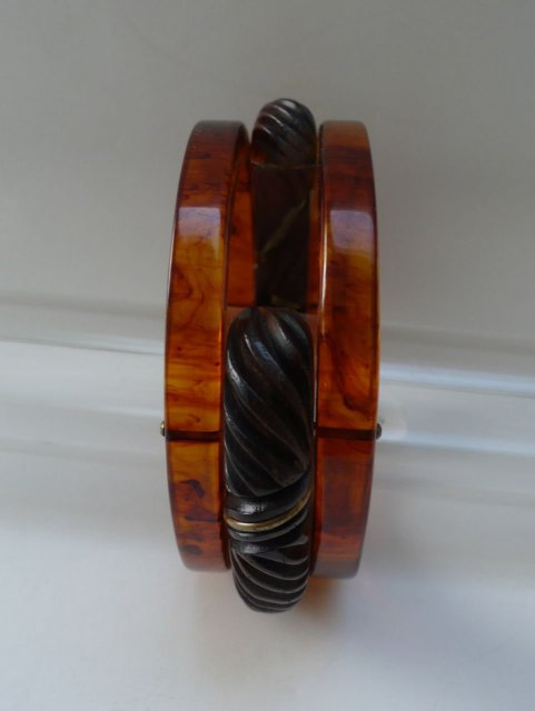 Bakelite & Wood Vintage  Bangle