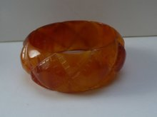 Bakelite Vintage Butterscotch Quilted Bangle