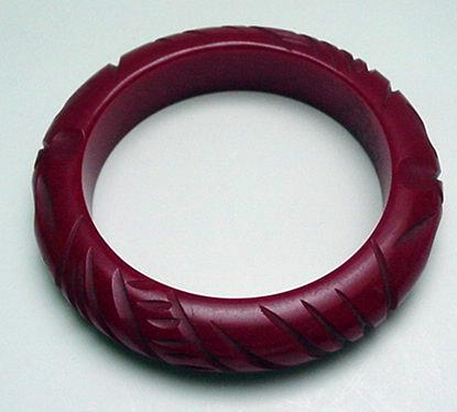 Bakelite Red Carved Chunky Bangle
