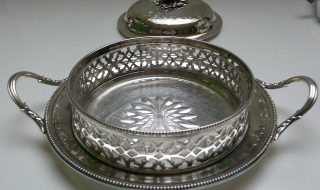 Victorian Silver Plate Round Butter Dish/glass liner