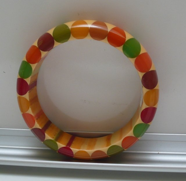 Bakelite Vintage Multicolor Bow Tie Bangle