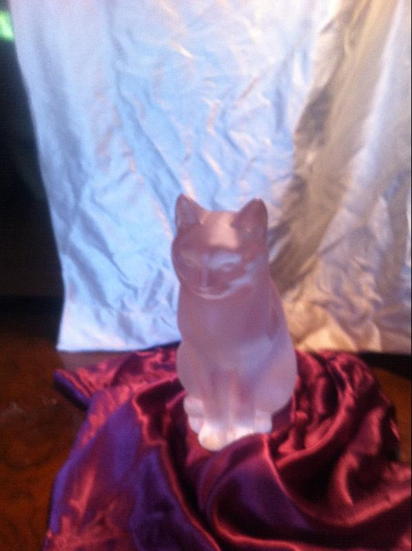 lalique sitting cat