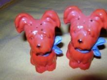 Salt/Pepper Shakers figural Dogs Germany